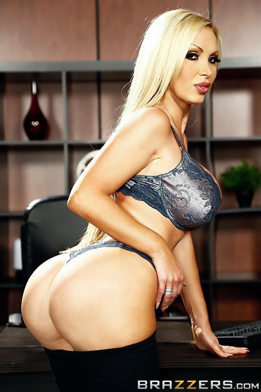 Nikki Benz 4