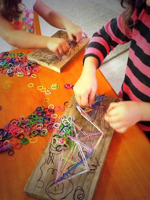 Way cooler than making bracelets with these rubberbands @now_awake #stringarthack #uncwp #clmooc http://t.co/3pEmMUtw9r