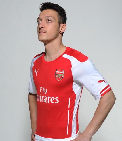 "Flw!@Arsenalndonesia on Twitter: ""Mesut Özil dengan Jersey ..."