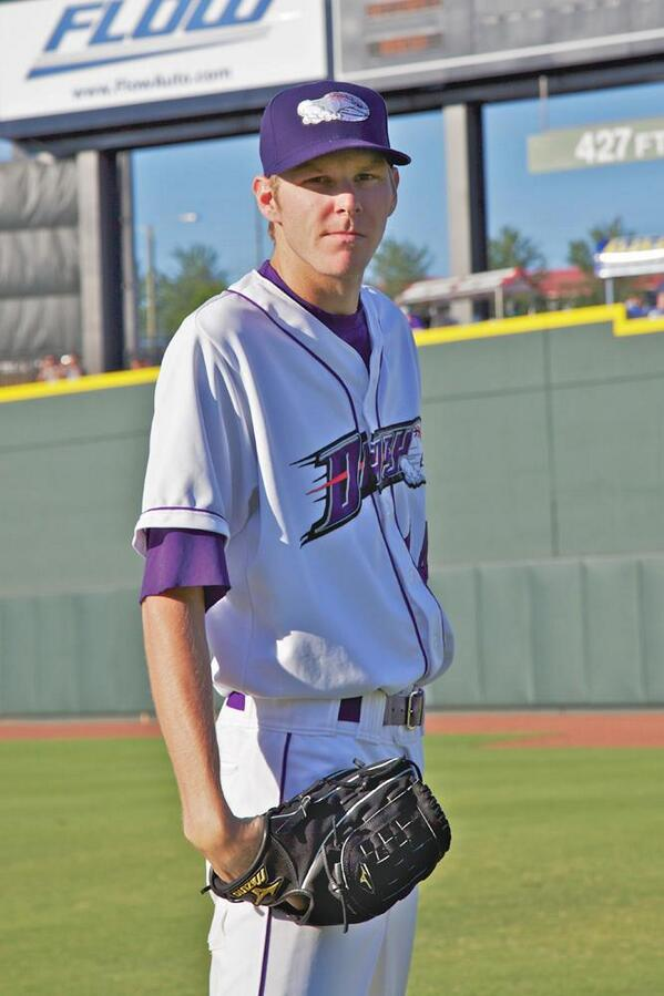 For one last #TargetSale push, why not share a #tbt to the first time Chris Sale put on a professional jersey... http://t.co/k3rfEUHGQl
