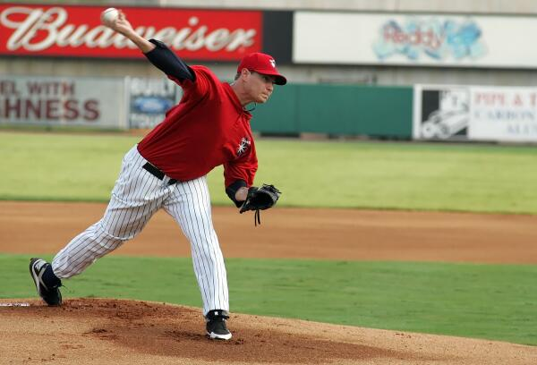 One more @GRICHARDS26 pic from 2011. Just because we need to #VoteGrich again. @SaltLakeBees @OremOwlz @Angels http://t.co/cRSLHXTwv2