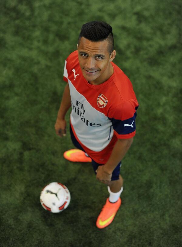 Welcome Alexis Sanchez!! http://t.co/6DqQuc5zrG