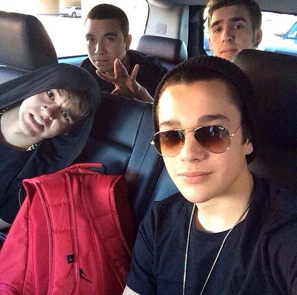So lucky to have my 3 best friends. @AustinMahone @Zach_Dorsey @Robert15Jgod http://t.co/w9IcaB5WmW