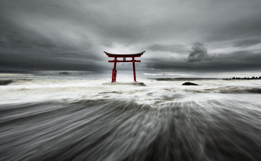 Twitter / ZaibatsuPlanet: Gate by Mitsuhiko-Photo #photo ...