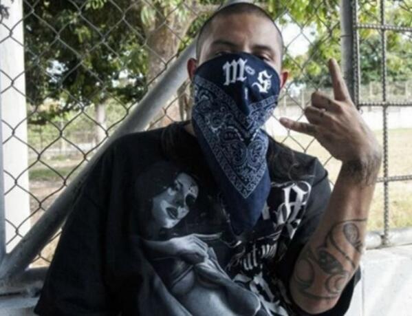 OBAMERICA: Border Patrol Warns MS-13 Using Processing Center as Recruitment Hub http://t.co/UzE0wWDf2S #tcot #hewitt http://t.co/HuGK9nsdbX