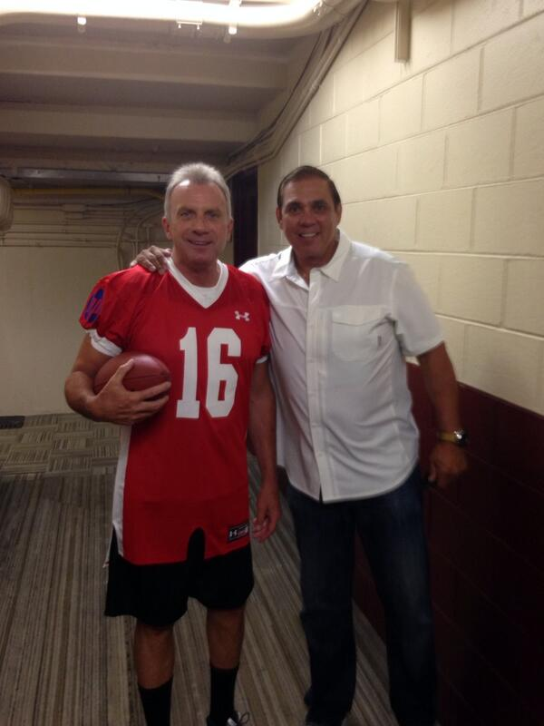 Last game at Candlestick. @JoeMontana   The man! http://t.co/wwi1Q78aeg