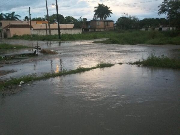 Resultado de imagen para calles con agua corriendo