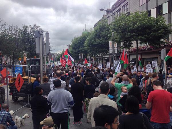 Huge turnout today in Dublin for Palestine #FreePalestine http://t.co/oF1q1Fktwj