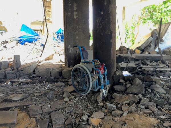 Israeli airstrike overnight destroys home for Gaza's disabled. Witnesses say two female residents killed. #CBC http://t.co/I8L2qnfZfM