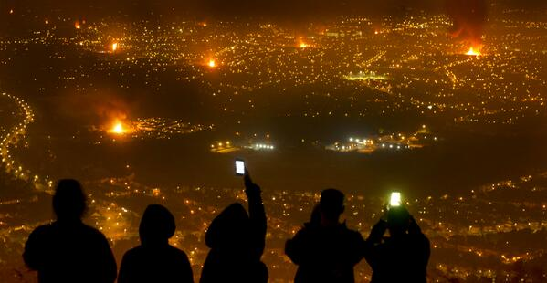Belfast burns as bonfires glow across the city #picoftheday by @photomcq http://t.co/ODxgA7M6CR http://t.co/7ACzIuKdCp