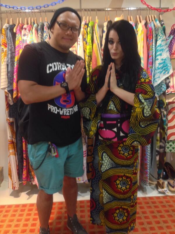 We enjoyed in harajuku @WWEMrSAKAMOTO and @RealPaigeWWE http://t.co/lDBsAbUPzk