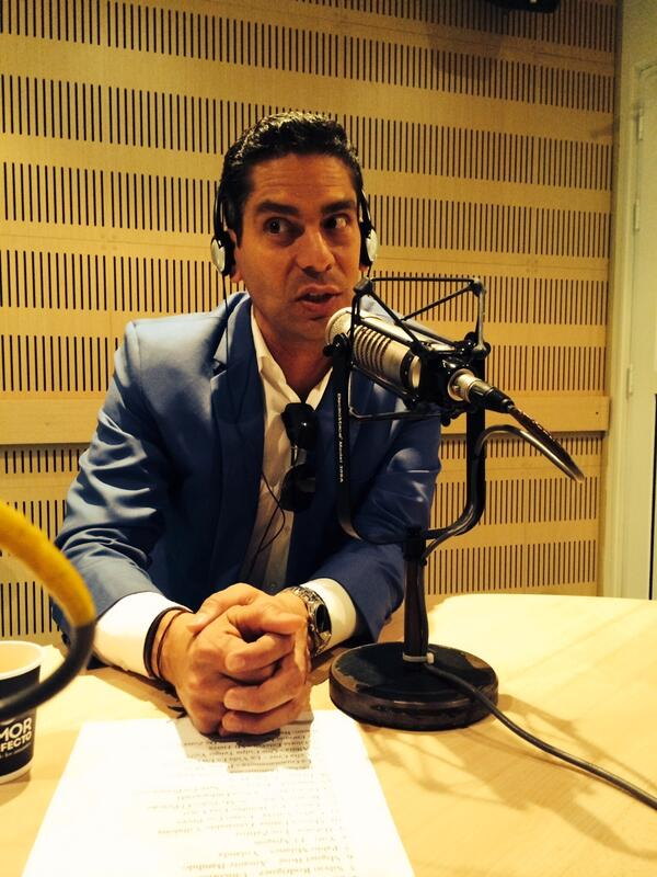 """""""Yo escuchaba a Celia Cruz clandestinamente pues está prohíbida en Cuba""""@calacnn en #MiBandaSonora http://t.co/bLa9aJNWRx"""