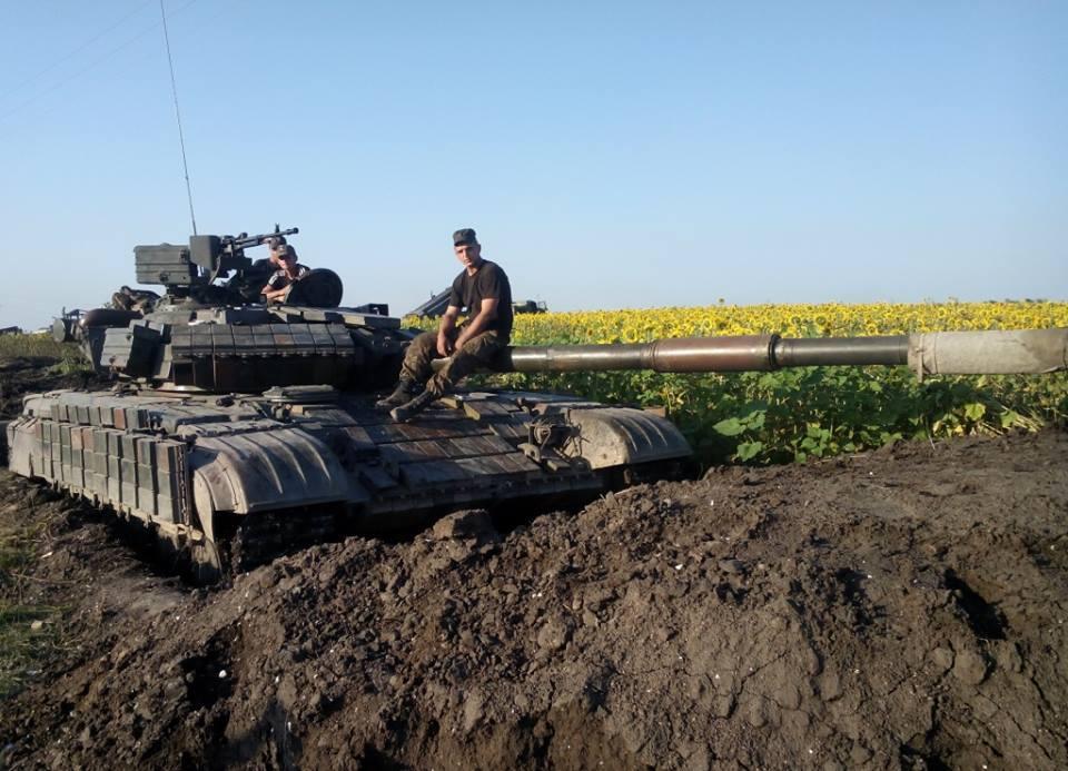 Волонтеры передали танковой бригаде, переброшенной в зону АТО, 80 бронежилетов - Цензор.НЕТ 2532