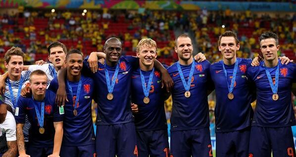 TROTS! Zeven (oud-)Feyenoorders gebroederlijk zij aan zij met hun bronzen plak op het WK. http://t.co/FLF1oZDhzB