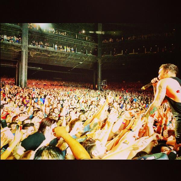 Fall Out Boy | Chicago Illinois.   @petewentz http://t.co/Ka8bwW7tZU