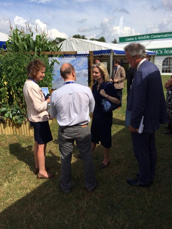 New @DefraGovUK  Minister @trussliz brings sunshine to @CLA GameFair & asks great questions at @Gameandwildlife stand http://t.co/i22pcp6mXP