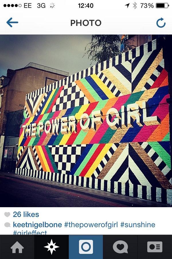 En route to #girleffectlive w/F&B. Gotta get us a #selfie with this @lakwenamaciver mural! (Pic @keetnigelbone) http://t.co/02weEYNpze