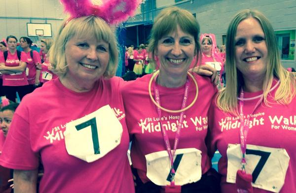 Well we did the walk and I raised over £300 for @StLukesPlymouth What a great night :) http://t.co/rsSt08dxac