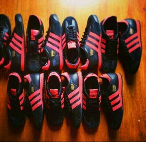 adidas dragon black and red