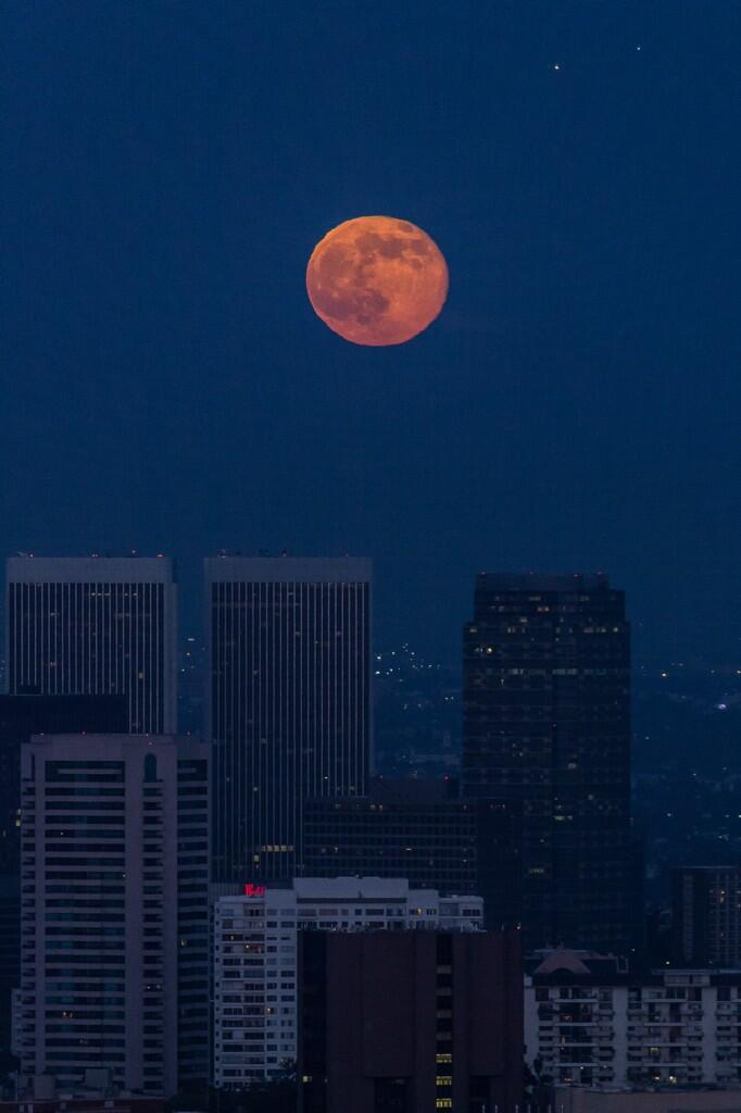 Twitter / scontreras: Yesterday's #supermoon over ...
