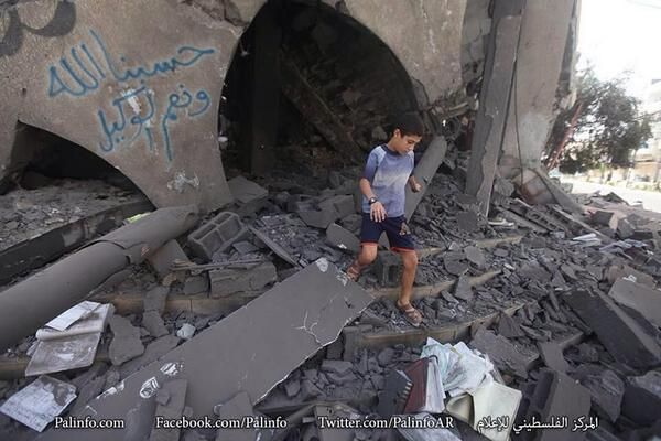 'Israel drops cancer-inducing bombs on Gazans'  http://t.co/3aHg2Tla8D #GazaUnderAttack #WarCrimes #Terrorism http://t.co/aPN4zi7djC