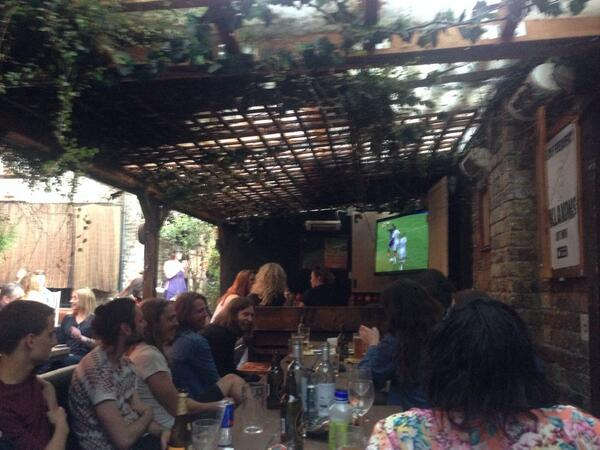 Watching the World Cup final at The Lock Tavern. Vamos Argentina! http://t.co/GMm3UjeMug
