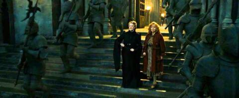 """""""Hogwarts is threatened! Man the boundaries, protect us, do your duty to our school!"""" - McGonagall #PotterheadWeekend http://t.co/yC4Wg3VAzP"""