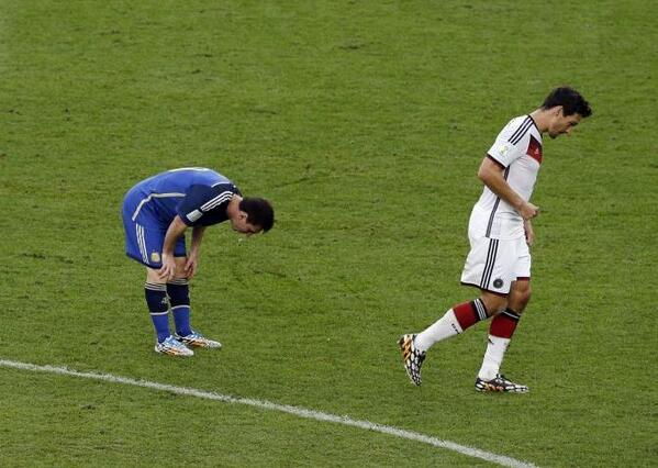 Did Argentine hero Lionel Messi get sick during the World Cup final v Germany? [Pictures]