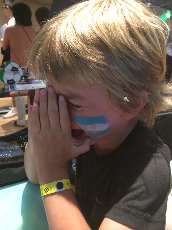 Lloramos todos .. Pero las lágrimas de mi hijo me matan ... http://t.co/mEnjowJPRL