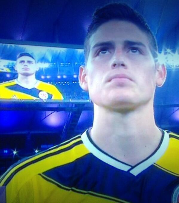 El Goleador del #Mundial2014 es Colombiano!  #6Goles  @jamesdrodriguez Te queremos!  #ColombiaFeliz ⚽️