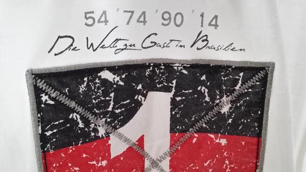 Vielen Dank für diese histoorische #WM2014  @DFB_Team #aneurerSeite #GER #Champagner #Fanline #DFB #Brazuca http://t.co/f9wHod9j8M