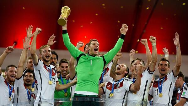 """Copa do Mundo FIFA 🏆 on Twitter: """"A história de um jogo histórico: numa #Copa2014 de recordes, geração alemã se consagrou http://t.co/otRn4knIbd http://t.co/5cXgaZi9VH"""""""