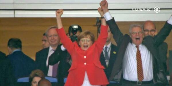 """""""@sportschau: Staatsspitzenjubel!  #ger #wm2014 http://t.co/ffAQM1930w"""" #GERARG #Fanline #WM14 #aneurerseite @DFB_Team"""
