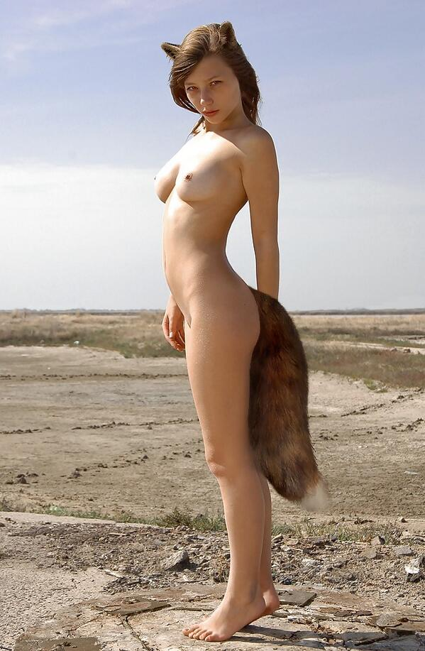naked redhead furry but plug