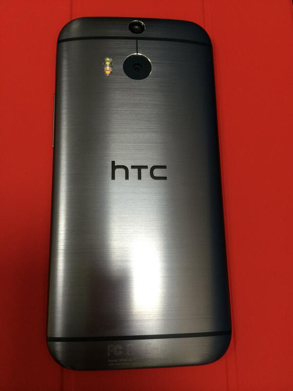 There has been no Android phone to which I gave thumbs up for the battery life except this #HTCONEM8 @HTCMEA @htc http://t.co/kmjyKHhMyl