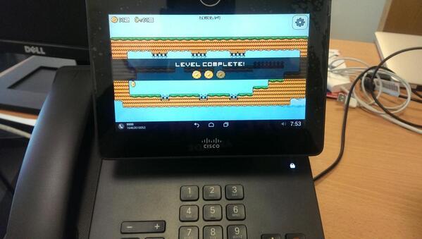 #jumproom even runs on my desk phone! @libgdx #gamedev http://t.co/GqkGqRml99