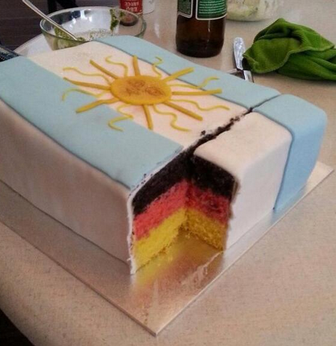 In a Brazilian pastry shop they're serving this cake today taking a pop at the Argies. Amazing. http://t.co/CRAqUMSAq4