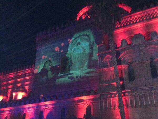 Il #festino della patrona di #palermo ha avuto inizio. #festino http://t.co/5GKi64GvAw