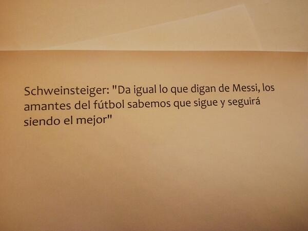 Lo dicen sus pares. Hasta los q le ganaron ayer. Pensemos. Messi es nuestro. Q lo siga siendo! http://t.co/ifpnNxJ2l4