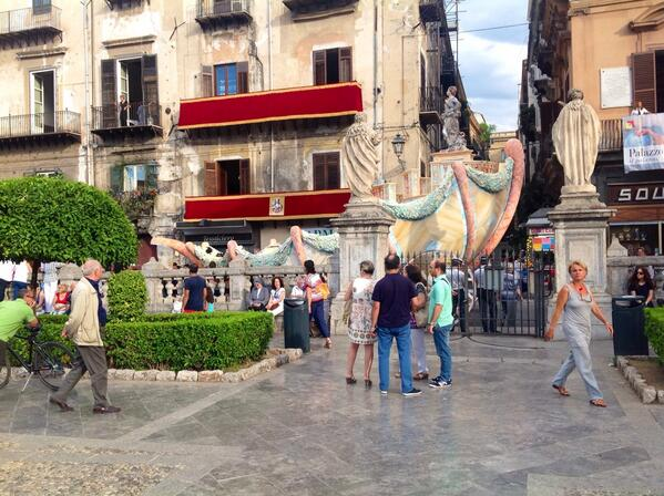 @ComunePalermo @FestinoSRosalia @LeolucaOrlando1 RT:  Il Cassaro inizia a popolarsi #festino  http://t.co/0IuBjWwkTW #palermo