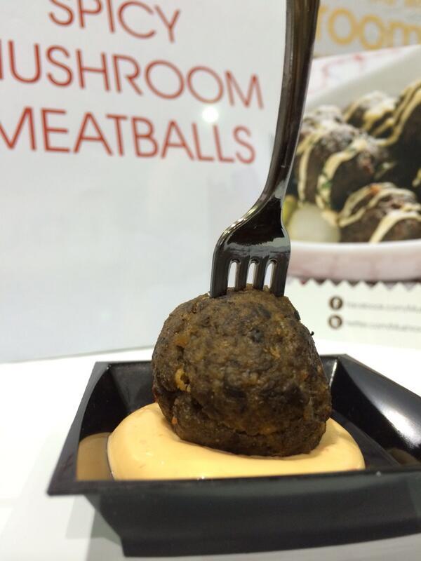 Delicious spicy mushroom meatballs by @mushroomchannel. Yum! @unitedfresh #anc14 http://t.co/cDH8eFI1UR