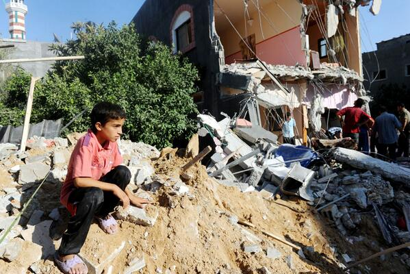 In #Gaza, senior @UN humanitarian officials call for halt to #Israeli offensive http://t.co/RoYeyM9CkP @UNRWA http://t.co/VaA2MHiTe5