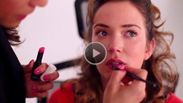 Vous voulez rafraîchir votre #maquillage pour vos soirées estivales? C'est par ici! http://t.co/3pKD5KAfP0 http://t.co/DJ51rNfTWK