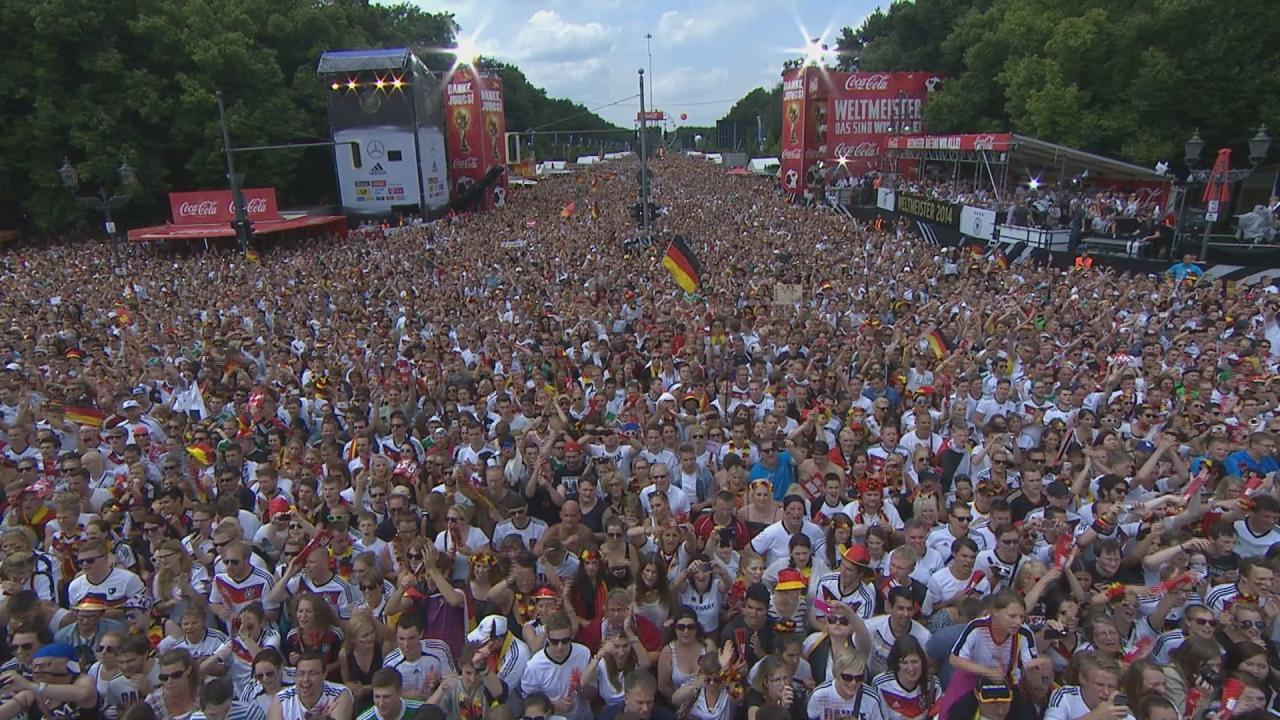 Twitter / SkySportNewsHD: Fanmeile! Berlin! Wahnsinn! ...
