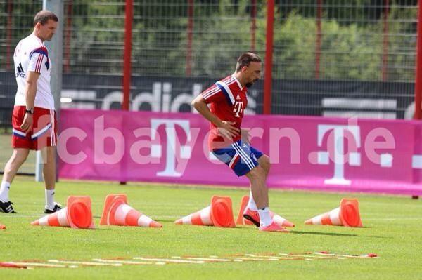 [7] [Mittelfeld] Franck #Ribéry  - Page 4 BsljS2wCQAERdc2