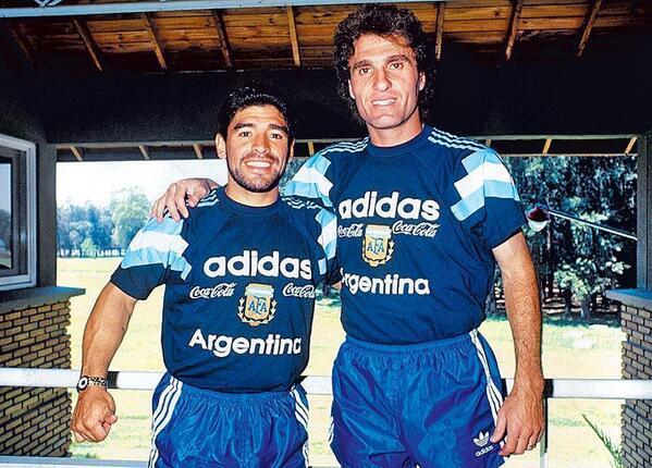 ¿Cuánto mide Diego Armando Maradona? - Altura - Real height BsmrpV5IMAA-N3z