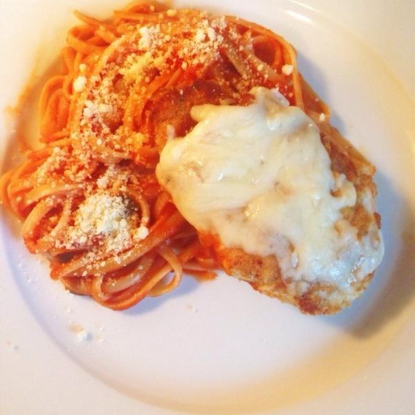 Well, this is a good dinner! #chickenparm #ilovebeingitalian #foodporn #dinner http://t.co/XnyhIljXpR