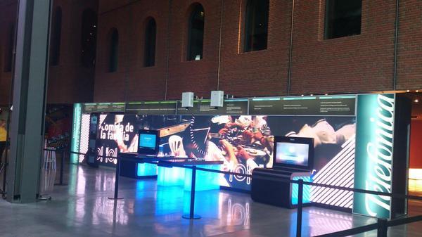 Todo listo para que @ferranadria presente la exposición 'Innovation Space'. http://t.co/PVk1U1Dvhf #Innovación http://t.co/zA7UGhNb11