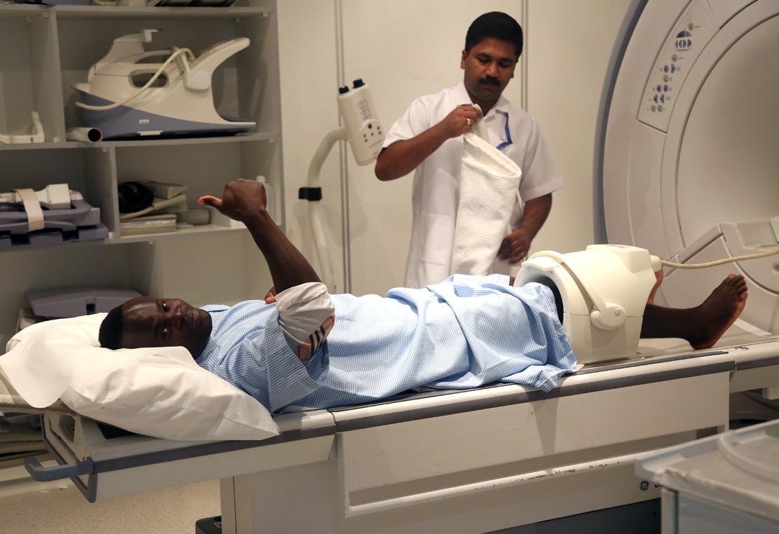 صور الكشف الطبي للمحترف العاجي ديديه ياكونان