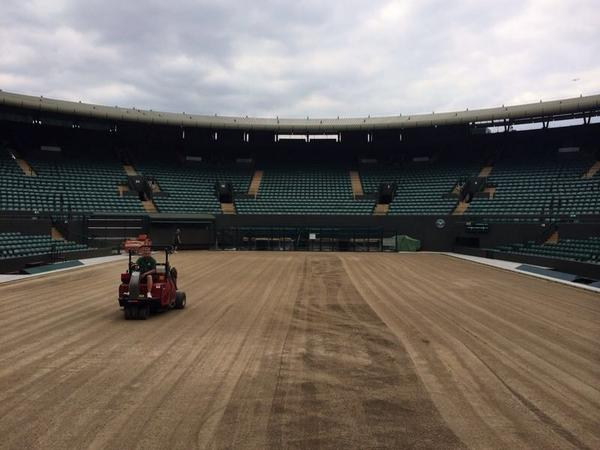 Court 1 almost done, just being swept clean http://t.co/yk4zf312KD